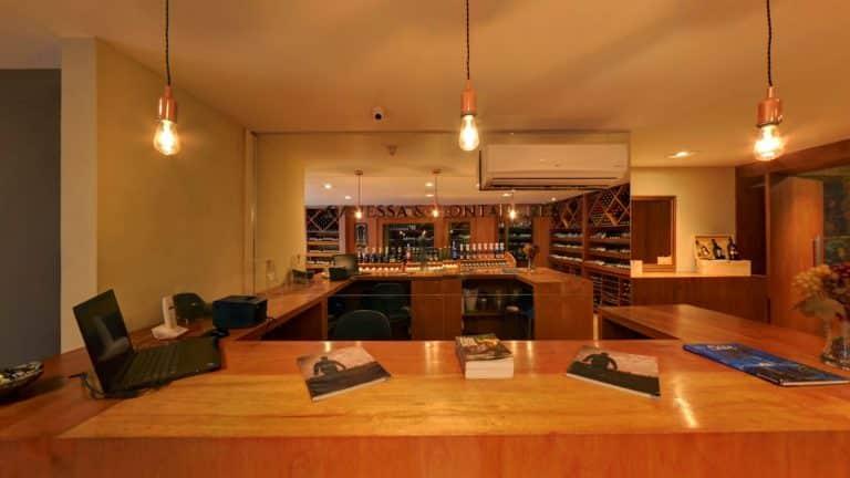 Street View Trusted da Loja de vinhos Canessa & Montanares em Natal/RN